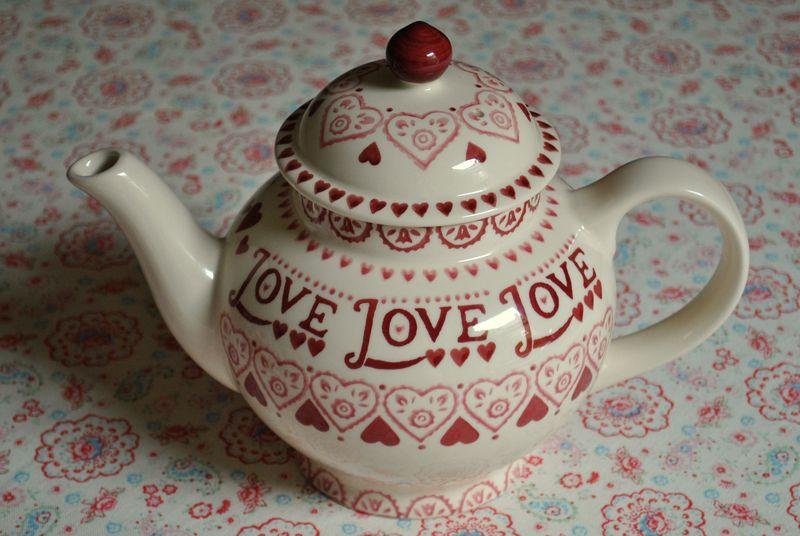 Emma Bridgewater 'Love' teapot