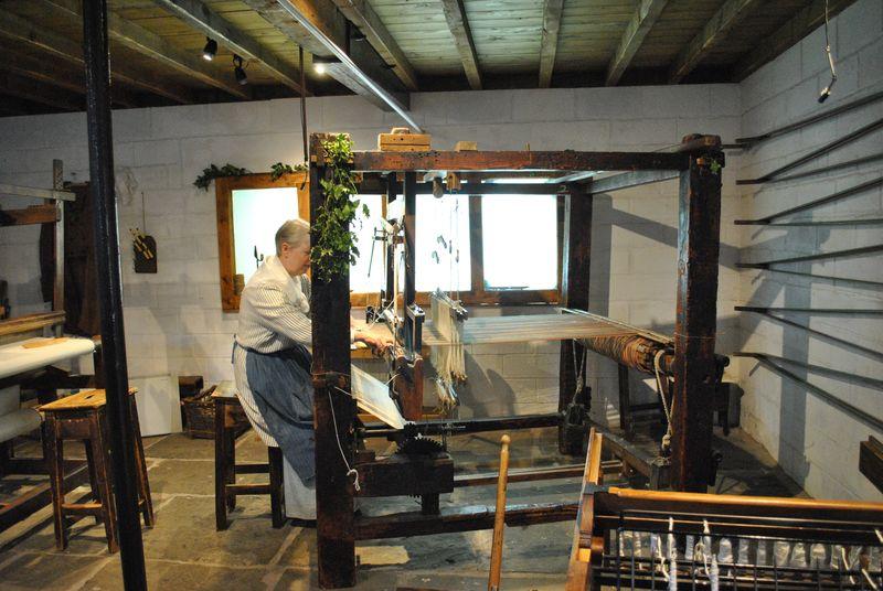 18C hand loom